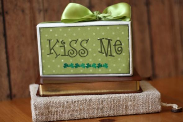 Celebrations - Kiss Me Decorative Block
