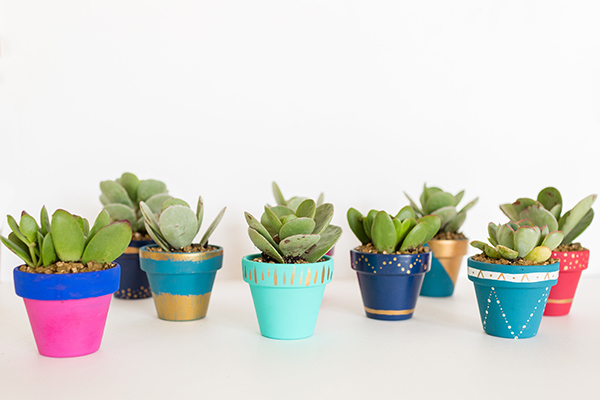 LaurenConrad.com - Mini Painted Pots - Favorite DIY